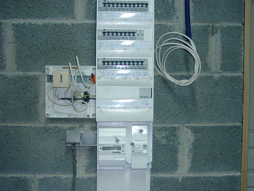 Electrique maison neuve tableau electrique complet for Tableau electrique pour maison 150 m2